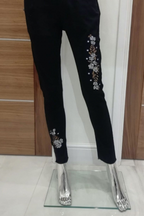 Embroidered denim jeans in black
