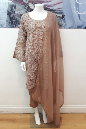 Three piece embroidered trouser suit in dusty pink