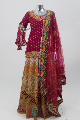 Chiffon material dark pink mehndiwear with fine gold threaded