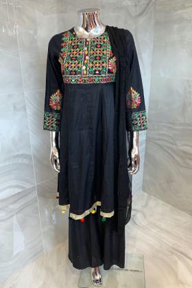 3 Piece luxury embroidered lawn garara suit in black