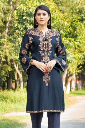 Casual luxury embroidered kurti in black