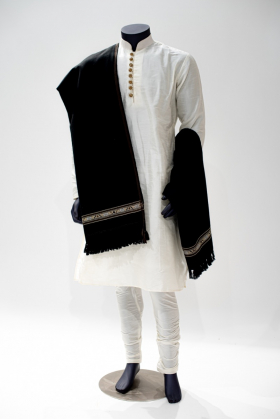 Wool embroidered black mens shawl