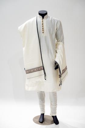 Men wool shawl in cream