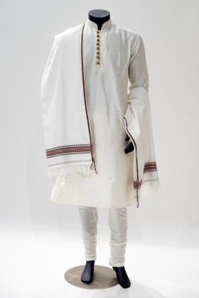 Mens wool shawl in white
