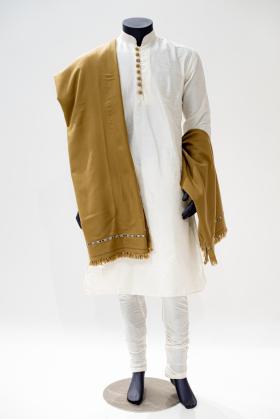 Men wool shawl in beige