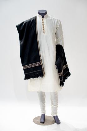 Men wool shawl in black