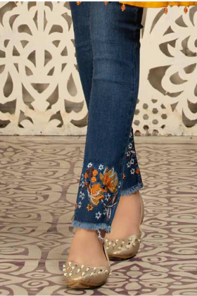 Flexible embroidered denim jeans in blue