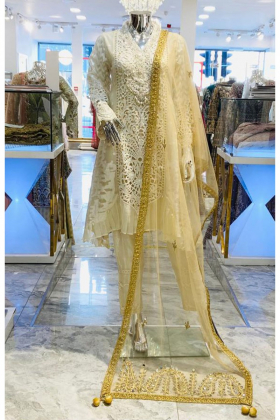 Net dupatta with mirror embellishments in gold