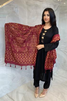 Light weight wool maroon shawl