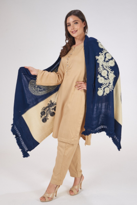 Blue and beige wool shawl with thread-work embroidery