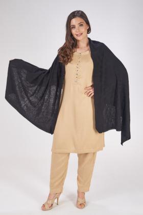 Wool shawl in black