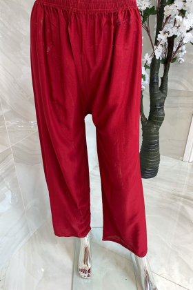 Plain casual trousers in maroon